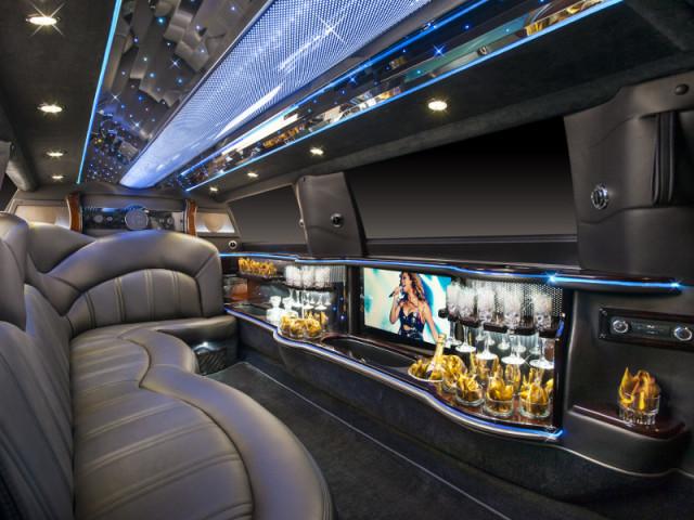 10 Passenger Limo / Lincoln